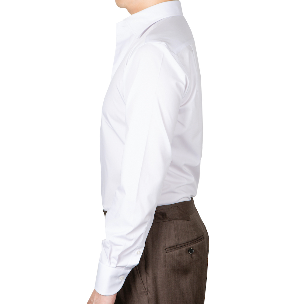 메멘토모리 화이트 논 아이론 스프레드 카라 셔츠